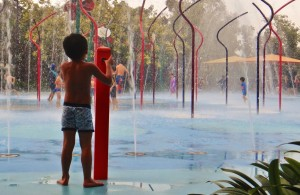 child_children_playing_water